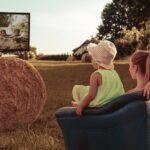 Как смотреть кино с детьми + 15 фильмов для просмотра и обсуждения